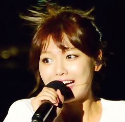 """615.""""Sooyoung's body is BEAUTIFUL, i don't think she looks too thin or anorexic. It's clear she"""