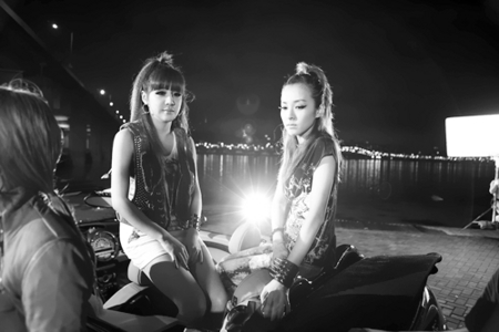"""699.""""As a music major & a constant Youtuber, I think Bom & Dara are freakin awesome. Not only are the"""