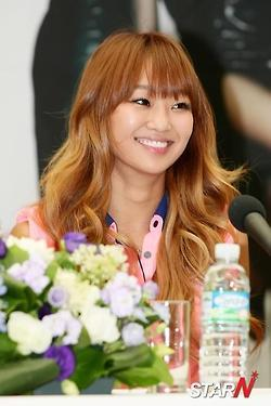 "760.""If I were a male idol, Hyorin would be my ideal type."""