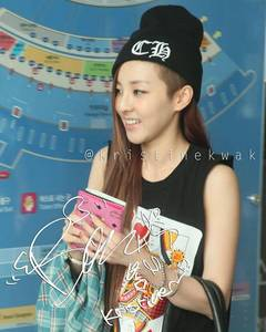 "836.""I seriously can't see any other female idol pull off this haircut as beautifully as Dara."""