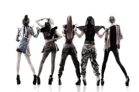 "1105.""Not only is EvoL copying 2NE1 because of their Hip Hop style.They're copying B.A.P's concep"