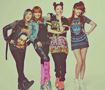 "1206.""Bom= Main Vocalist, Minji=Lead Vocalist/Main Dancer/Rapper, CL=Leader/Main Rapper/Vocalist, Dar"