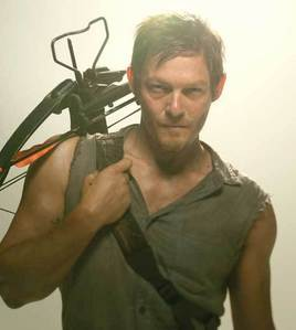 1. Избранное male character? Why? [b]Daryl[/b] I'm usually drawn by the bad boy type and that's wh