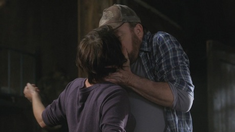 A kiss between Bobby and Jody Mills