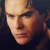 "3.From TV hiển thị ""The Vampire Diaries"""