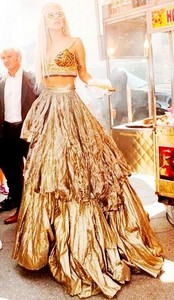 प्रिय Outfit of 2011 Versace स्कर्ट and चोटी, शीर्ष for Vanity Fair photoshoot