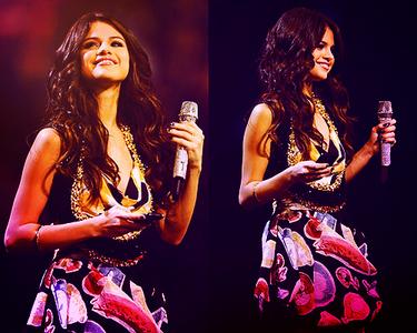13. Selena smiling