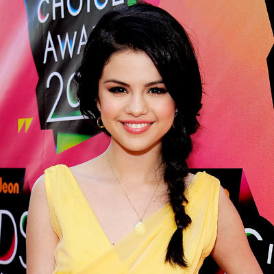 2.Selena In Yellow