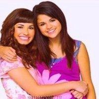 6.Selena With Demi Lovato