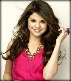 1 Selena in pink :)