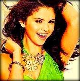 4 Selena in green :)