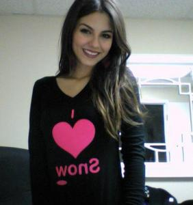 Victoria Justice! Easy to know!