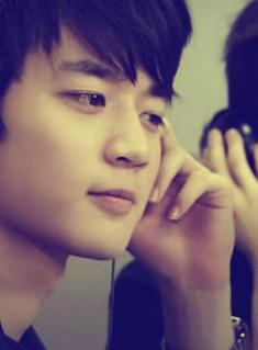 my fav is Minho *_* hehe i like everything bout him he&#39;s so sweet & just amazing <33 my message to hi