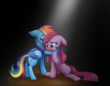 HE BEST ONE THAT I KNOW IS regenbogen DASH X PINKIE PIE!!!!!http://images.fanpop.com/images/emoticons