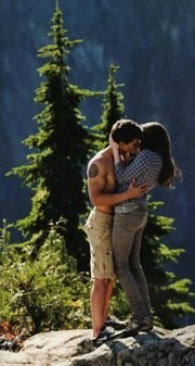 Hot  Bella and Jake kissing