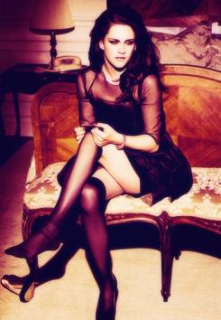 HOOOT!!  Kristen Stewart!!