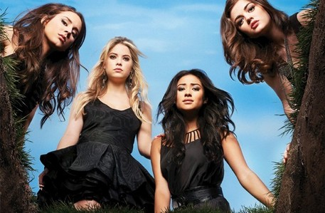 día Six: [u]Favorite female-driven show[/u] Probably Pretty Little Liars. I feel as if that is mainly