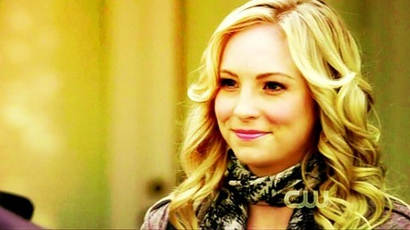 día Two: favorito! supporting female character Caroline Forbes
