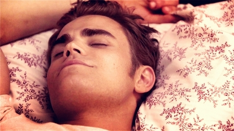 dia 13 - A popular character you don't like Stefan Salvatore, he bores me to death...