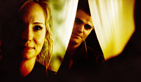 日 4: 最喜爱的 AU Couple? I really like Stefan and Caroline :)