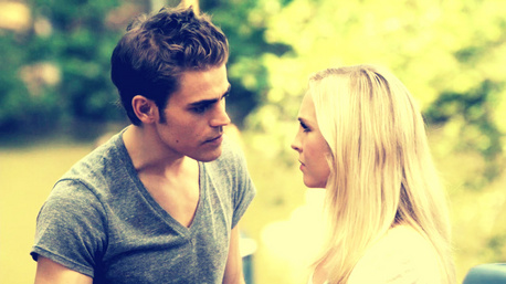 日 4: [u]Favorite AU couple[/u] [b]Stefan and Caroline[/b]