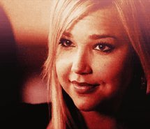 日 8: [u]Favorite guest star?[/u] Arielle Kebbel as Lexi.