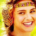 Padmé Amidala :))<br /> <br /> And you just have to make 1 icon right? :D