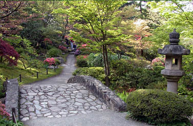 Yakusoku: hmm... let's go see the Japanese garden!  runs ahead and they end up at a garden like the o