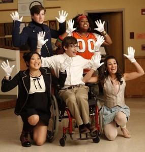 """Round 5 [b]""""Pilot""""[/b] first ep of Glee Here`s mine"""