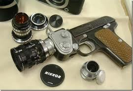 Tobi:I go hiking and build the camera gun. Powerful and deadly. One shot can conceal آپ in an image