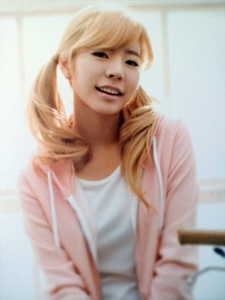 5. blonde Sunny