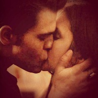 my icon of the kiss from 3x22