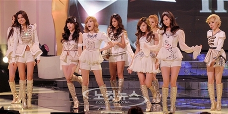 SR1.SNSD Performing The Boys. It's kind of hard to find one of them actually performing. Most of th
