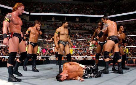 일 08 - 가장 좋아하는 Angle: [b]The Nexus vs the WWE[/b]
