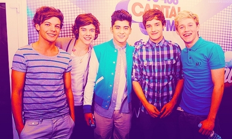 Huge news ♥   One Direction are set to follow in the footsteps of Justin Bieber and Katy Perry sejak s