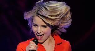 Here is mine New theme:QUINN`S HAIR lol her hair is flying I had to get it