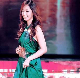 yuri in green
