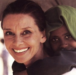 U - UNICEF, we all know of her hati, tengah-tengah for those children. We Cinta anda Audrey!