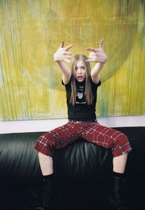 This one but at a higher resolution ....... please Cinta avril :-*