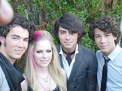 Avril and Jonas Brothers here :) I want Avril and Ashley Tisdale