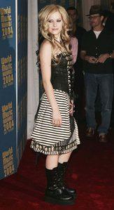 I want Avril in a 金属乐队 tank.