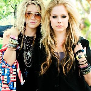 Avril Jumping ♥