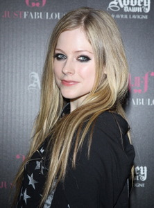 I want Avril with a skull on her clothing.