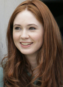 I don't like Amy Pond at all, but nonetheless she is very pretty. :) I think Kaz and Matt should be t