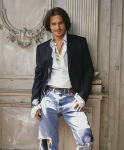14. I upendo any picture with Johnny Depp!! But this is one of my vipendwa