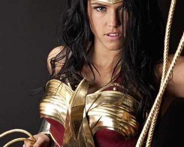 Just found out a cool Wonder Woman shabiki Movie with Batman in it :) http://wonderwomanfanfilm.com/
