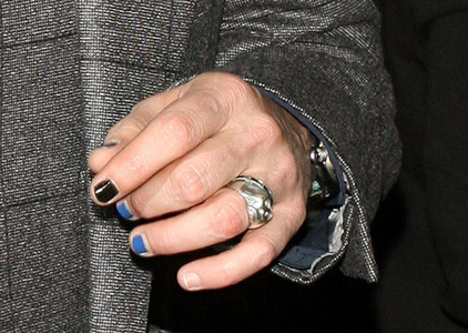 hujambo Deppheads...<D I forgot to tell wewe that,,about johnny's painted nails <3 I saw avideo