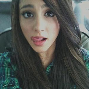 This is my first contest about Ariana Grande, I decide the winners and they wins: 1st place: 10 pr