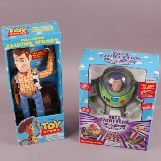 does any body have an info on the buzz toy i this pic? all i no is he was bought in 1995 please hel