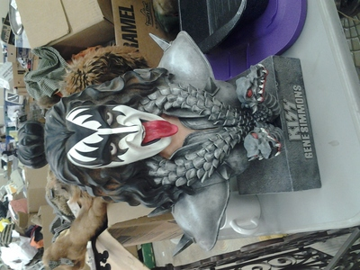 I have a gene simmons bust thats really heavy and two feet tall. i have been wondering what its worth